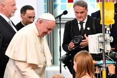 Papież z wizytą w szpitalu w Prokocimiu