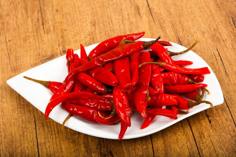 Papryczki chili mogą mieć działanie przeciwzapalne, przeciwutleniające, przeciwnowotworowe /123RF/PICSEL