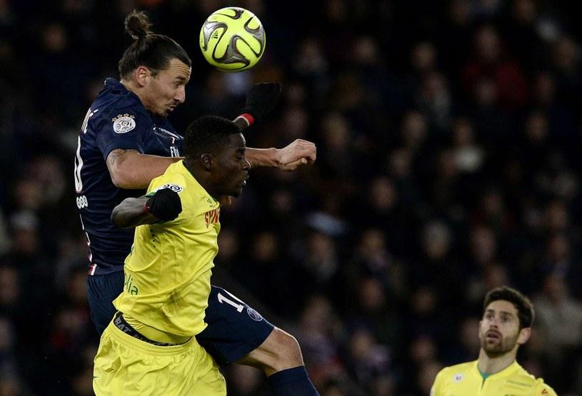 Papy Djilobodji w walce o piłkę ze Zlatanem Ibrahimoviciem /AFP