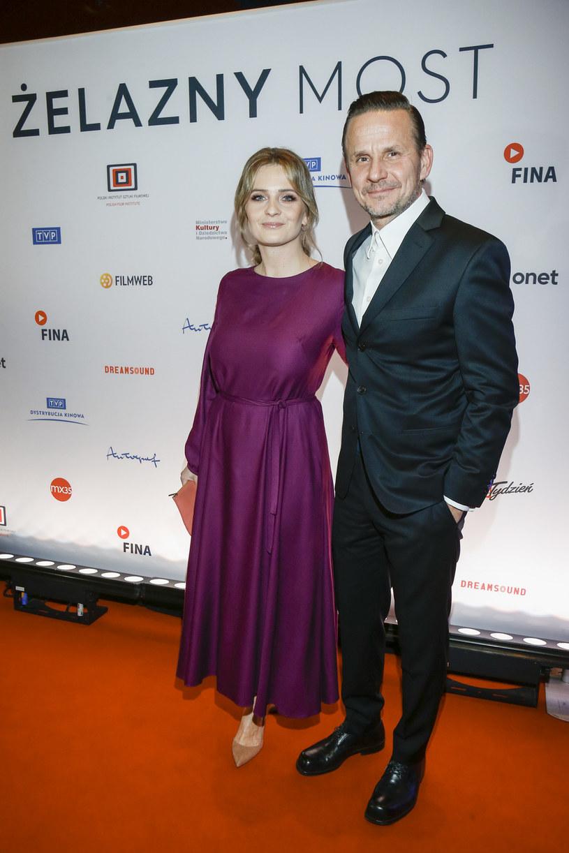 Para chętnie pozowała razem do zdjęć /Jordan Krzemiński /AKPA