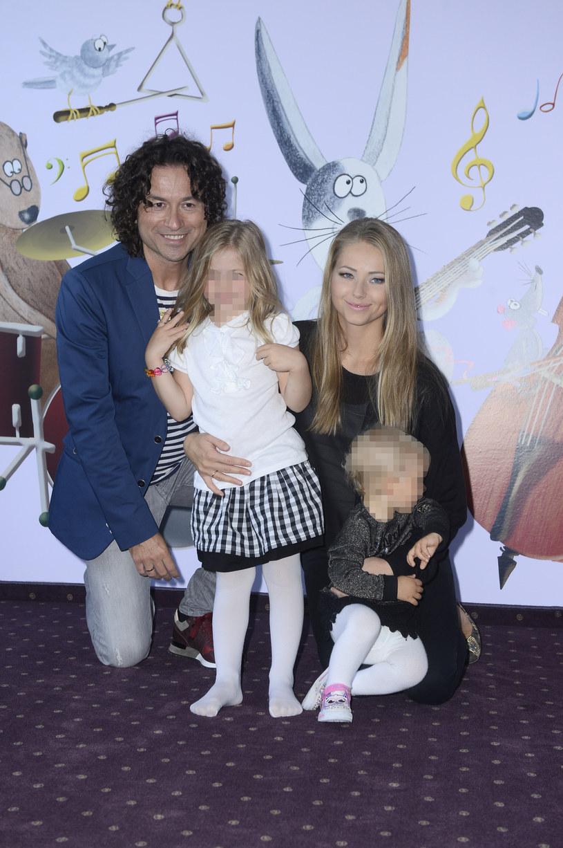 Para ma dwie córki /Jarosław Antoniak /MWMedia