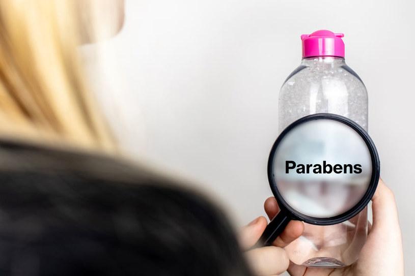 Parabeny można znaleźć w kremach, tonikach czy szamponach /123RF/PICSEL