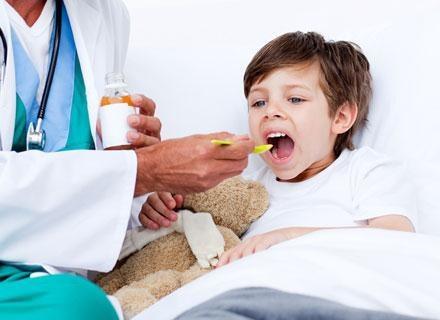 Paracetamol to niezwykle popularny, dostępny bez recepty środek przeciwbólowy /© Panthermedia