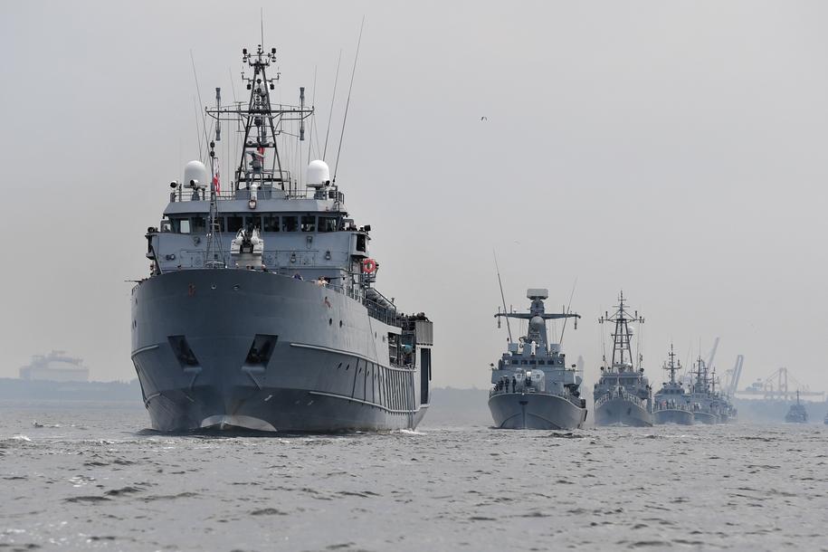 5a00893843239 Parada Morska z udziałem okrętów Marynarki Wojennej w Świnoujściu w ramach  obchodów 100. rocznicy utworzenia