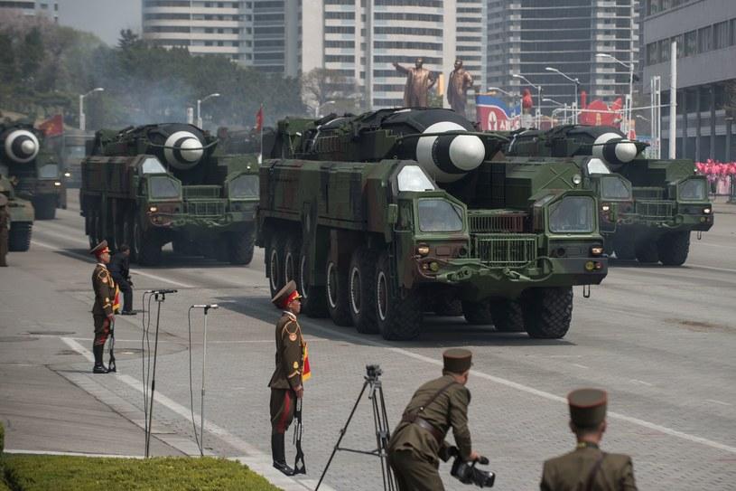 Parada wojskowa z 15 kwietnia. Rakietę podobnego typu wystrzelono 14 kwietnia /AFP