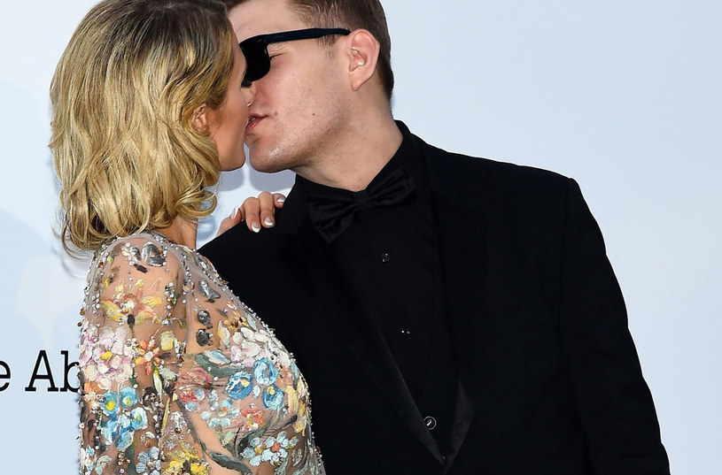 Paris Hilton i Chris Zylka na imprezie amfAR /East News