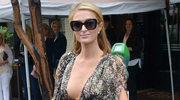 Paris Hilton i jej frywolny dekolt