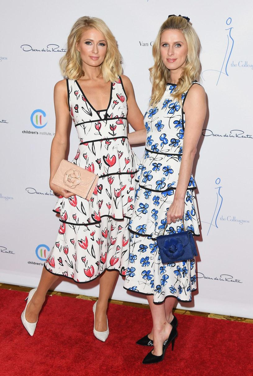 Paris Hilton z siostrą Nicky /Jon Kopaloff /Getty Images