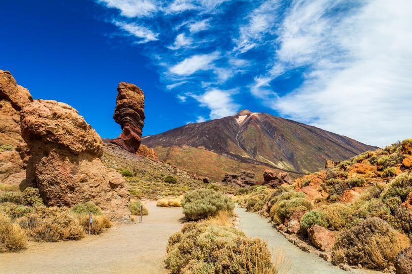 Park Narodowy Teide jest jednym z najważnijszych turystycznych zakątków na wyspie /Adobe Stock
