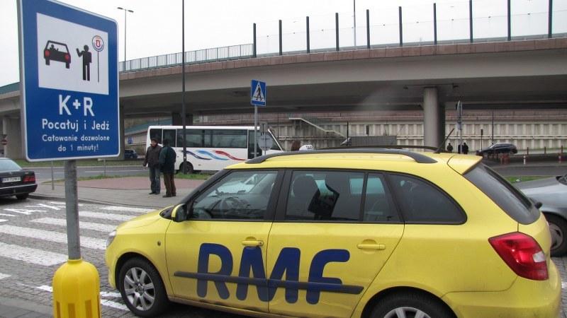 Parkingi tego typu wyznaczono na początek w trzech miejscach: koło pętli komunikacji miejskiej Czerwone Maki oraz przy Dworcu Głównym Wschód i Zachód /Maciej Grzyb /RMF FM