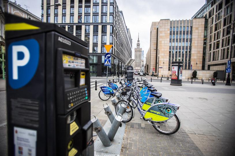 Parkometr w centrum Warszawy /Adam Burakowski /Reporter