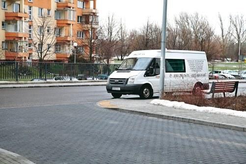 Parkowanie na połączeniu dróg /Motor