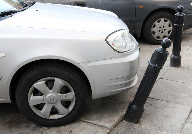 Parkowanie to czasem trudna sprawa... / Fot: Stanisław Kowalczuk /East News