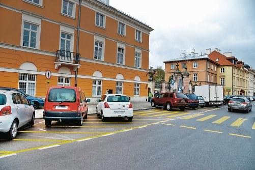 Parkowanie w pobliżu zebry /Motor