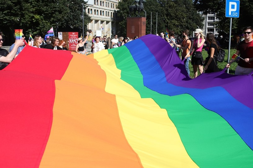 """Parlament Europejski przyjął rezolucję w sprawie """"praw osób LGBTIQ"""" /Tomasz Kudala /East News"""