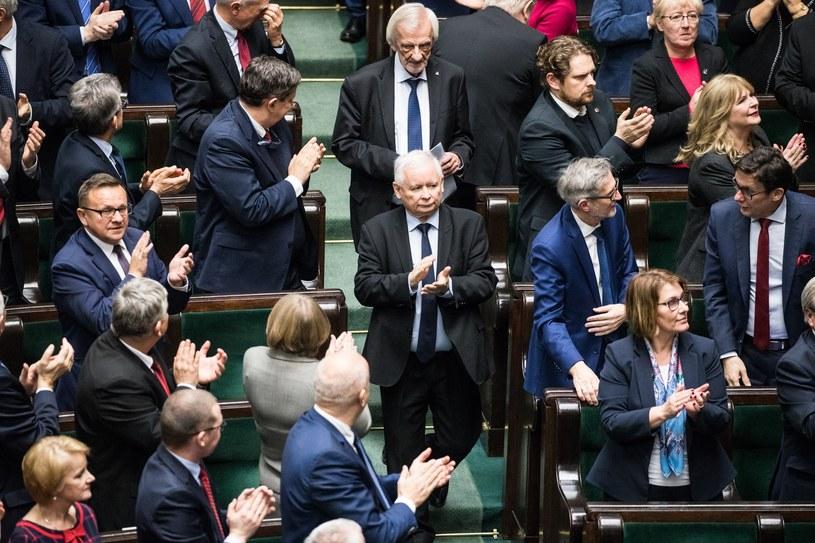Partia Jarosława Kaczyńskiego może liczyć na najwyższe poparcie /Aleksandra Szmigiel /Reporter