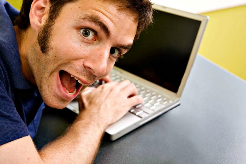 Partnerka przyłapała cię na oglądaniu porno - czy jest z tej sytuacji jakieś wyjście? /123RF/PICSEL
