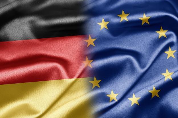 Partnerstwo europejskich urzędników i niemieckich bankowców wydaje się prosperować w najlepsze /©123RF/PICSEL