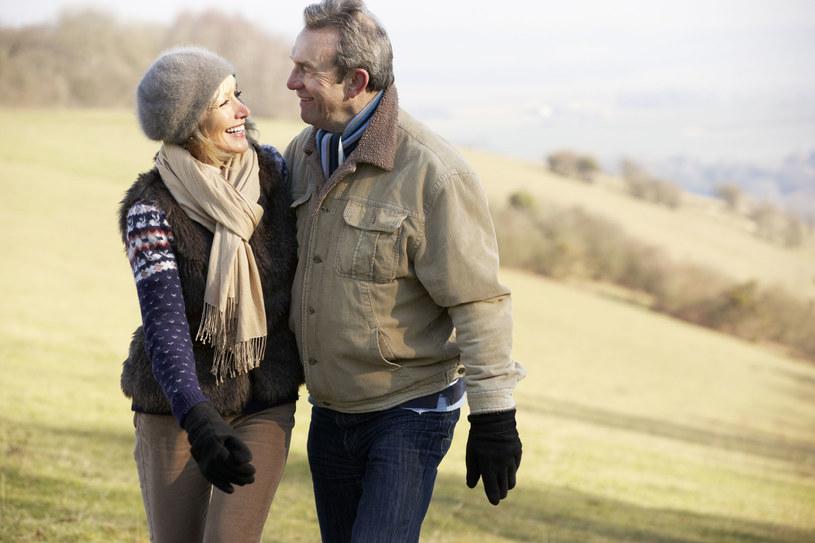 Partnerzy powinni mieć takie samo pochówku jak małżeństwa /123RF/PICSEL