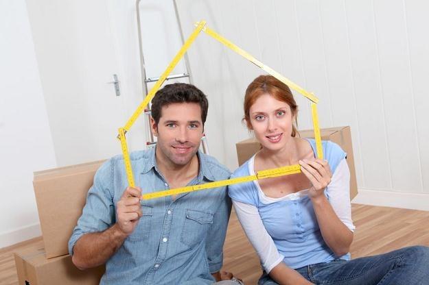Pary, które chcą kupić mieszkanie o powierzchni maksymalnie 75 m kw., nie są na straconej pozycji /©123RF/PICSEL
