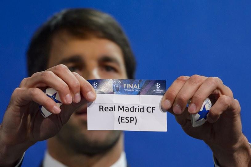 Pary półfinałowe losował słynny Ruud Van Nistelrooy /AFP
