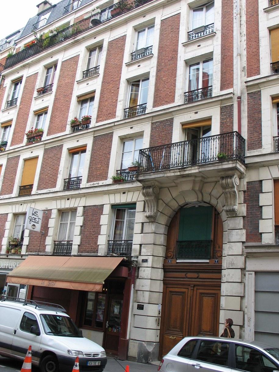 Paryska kamienica, w której w młodości mieszkała Edith Piaf. Dzisiaj znajduje się w niej muzeum poświęcone piosenkarce /Marek Gładysz /RMF FM