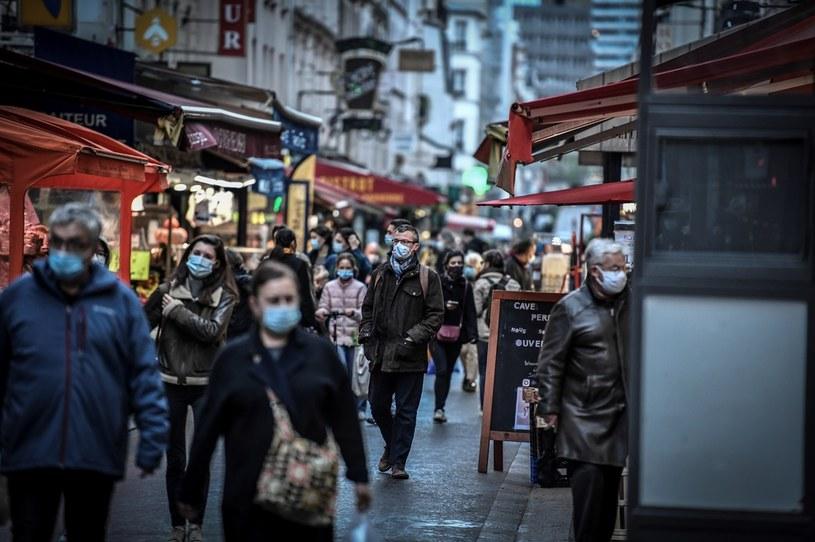 Paryska ulica w czasie pandemii /STEPHANE DE SAKUTIN/AFP /AFP
