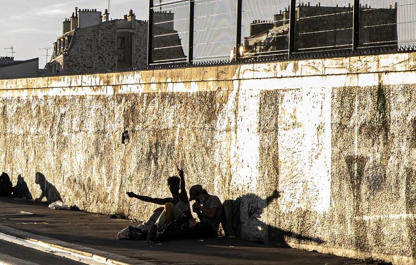 Paryż odgradza się murem od przedmieść /IAN LANGSDON /PAP/EPA