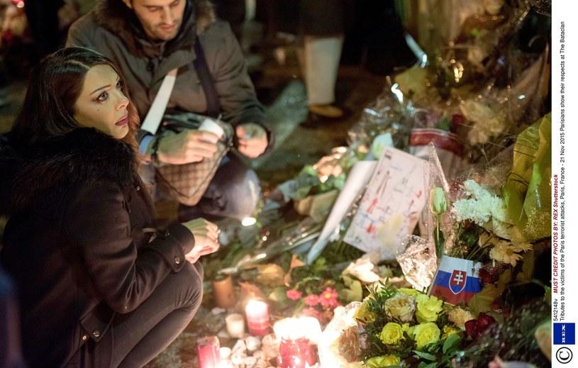 Paryż pamięta o ofiarach zamachów terrorystycznych /REX Shutterstock /East News