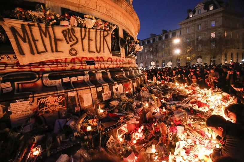Paryż: Setki ludzi pilnie opuściły plac Republiki /PAP/EPA