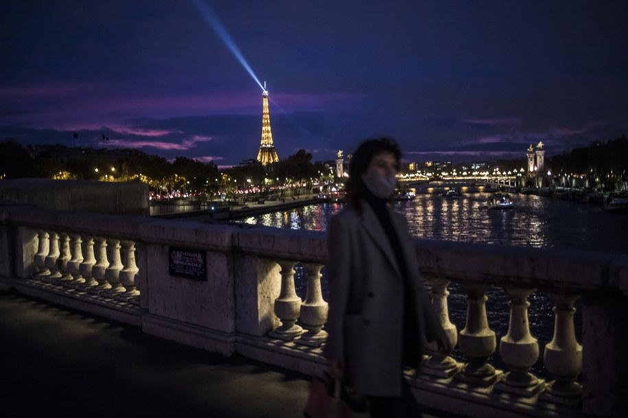 Paryż w przeddzień wprowadzenia narodowej kwarantanny /Christophe Petit-Tesson /PAP/EPA