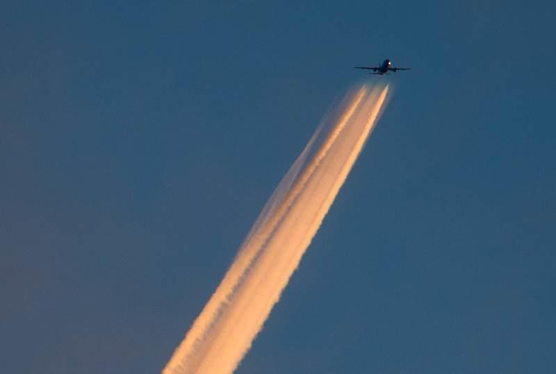 Pasażerowie lecąc samolotem będą mogli oglądać widok z pociągu /DPA/Julian Stratenschulte    /PAP