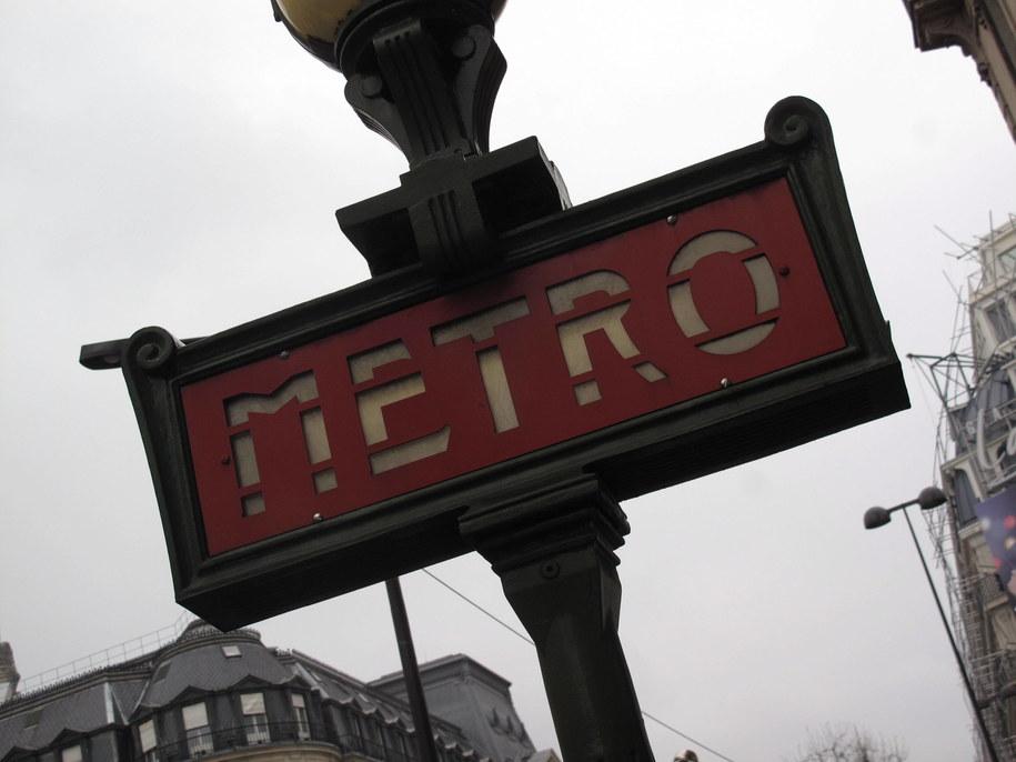 Pasażerowie metra zostali ewakuowani / Becker & Bredel    /PAP/EPA