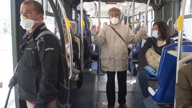 Pasażerowie w Genui /LUCA ZENNARO /PAP/EPA
