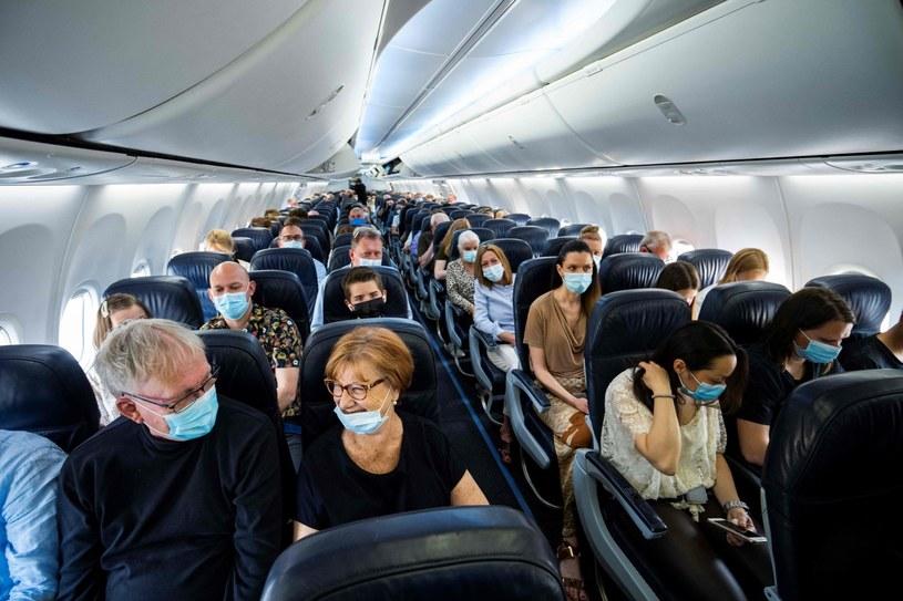 Pasażerowie zostali na lodzie... /AFP