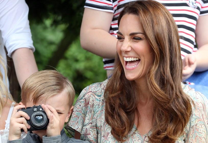 Pasją księżnej Kate jest fotografia. Rodzinne zdjęcia robi sama /Getty Images