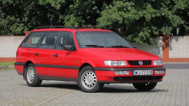 Passat B4 jest doskonałym przykładem samochodu, który ma prostą konstrukcję i jest tani w naprawach. /Motor