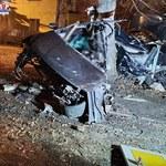 Passat wypadł z drogi, z impetem uderzył w znak i drzewo. Młodzi Ukraińcy zginęli na miejscu