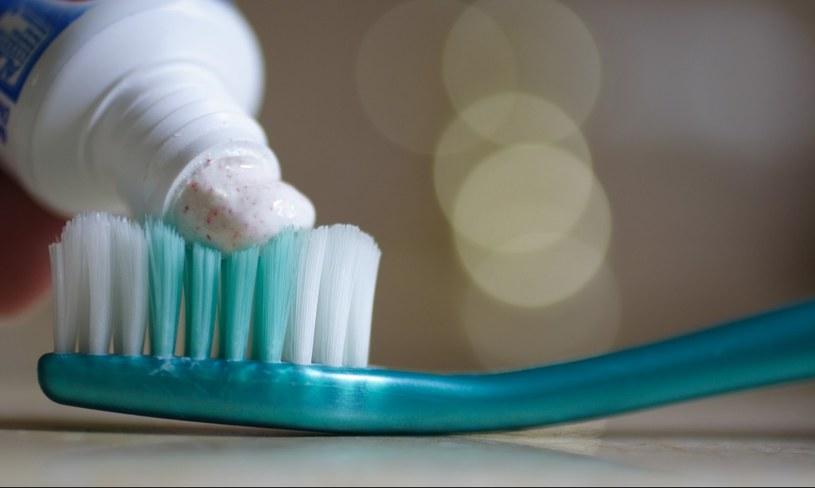 pasta do zębów /© Photogenica