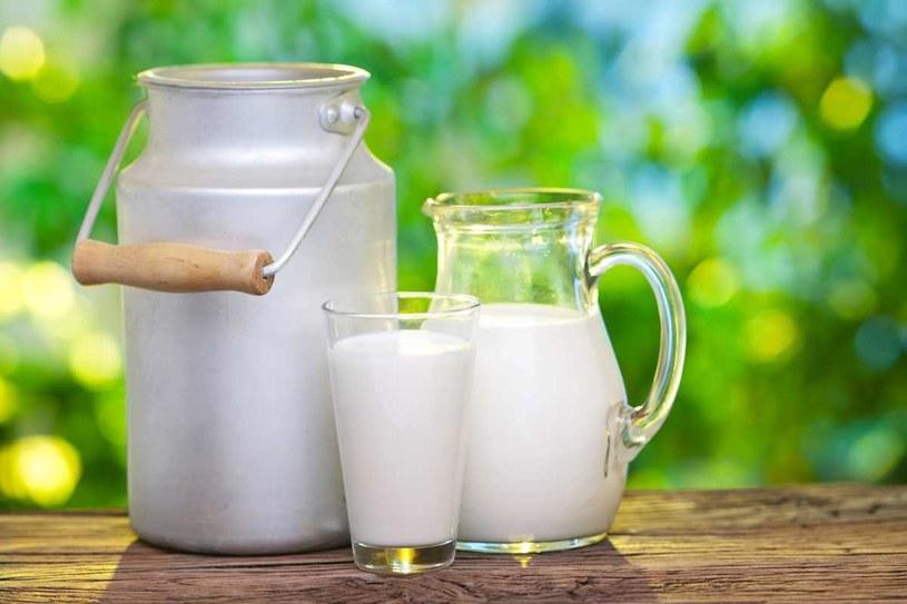 Pasteryzacja zmienia smak mleka /123RF/PICSEL