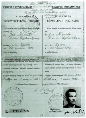 Paszport dyplomatyczny Jana Karskiego, wystawiony 4 maja 1943 w Londynie i podpisany przez zastępcę sekretarza generalnego Ministerstwa Spraw Zagranicznych Wacława Babińskiego - Wydawnictwo ZNAK /materiały prasowe