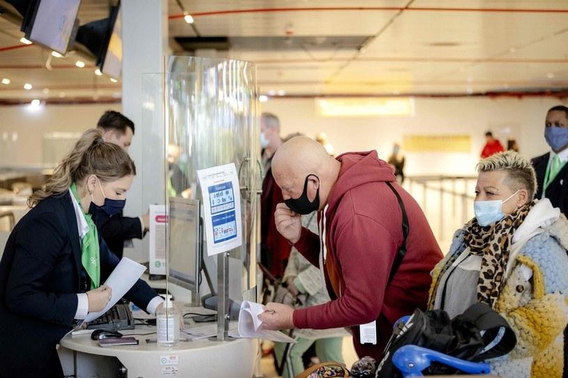 Paszporty covidowe tuż tuż /123RF/PICSEL