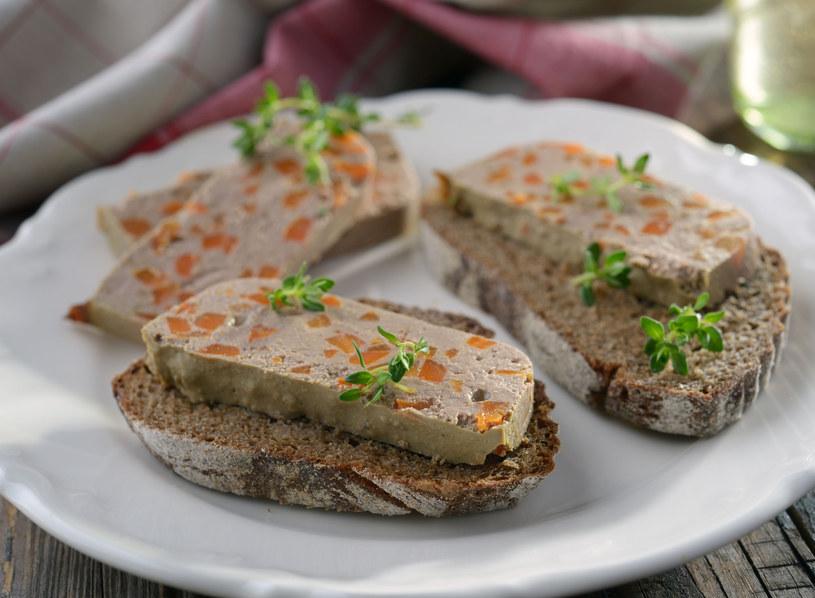 Pasztet podaj z chlebem /123RF/PICSEL