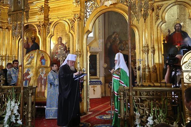 Patriarcha Cyryl I (P) i zwierzchnik Kościoła prawosławnego w Polsce metropolita Sawa (L) /fot.R.Guz /PAP