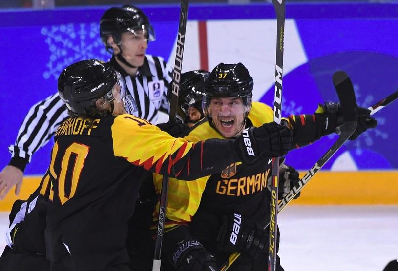 Patrick Reimer (z prawej) po zdobyciu zwycięskiej bramki /AFP