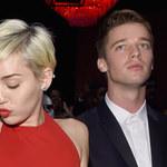 Patrick Schwarzenegger: Fani Miley Cyrus grożą mu śmiercią!