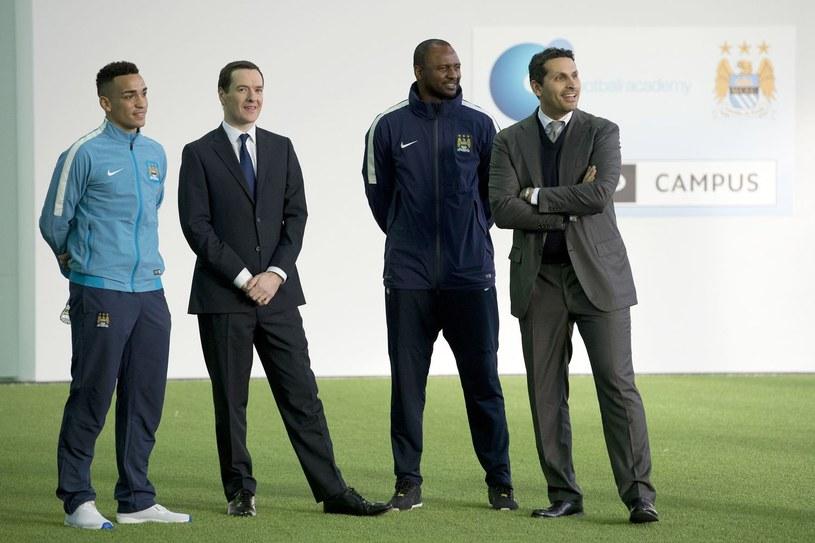 """Patrick Vieira (drugi od prawej) jako szkoleniowiec rezerw """"The Citizens"""" /AFP"""