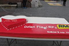 Patriotyczna akcja RMF FM: Wieża ratuszowa w biało-czerwonych barwach