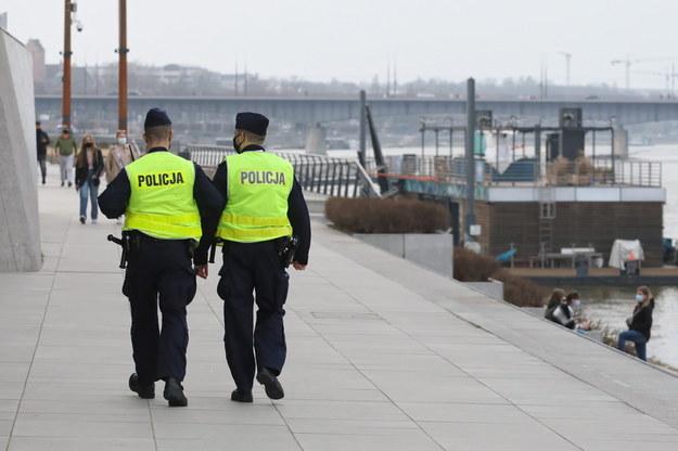 Patrol policji w Warszawie /Paweł Supernak /PAP