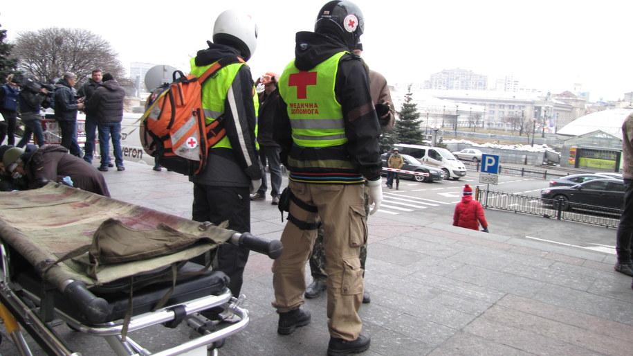 Patrol służby medycznej w Kijowie /Przemysław Marzec /RMF FM